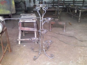 Цветочница- ковка (фото)