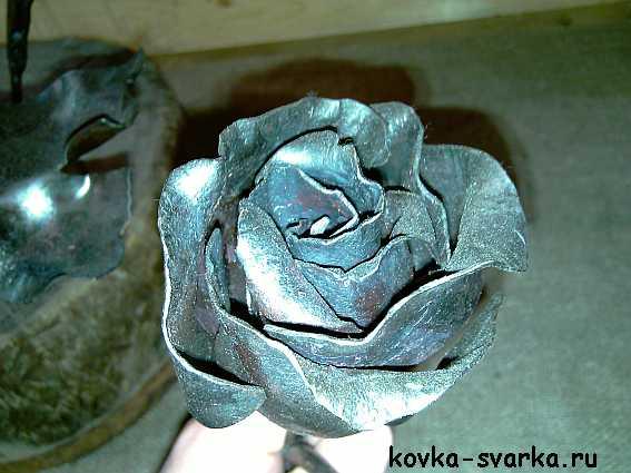 сварная кованая роза