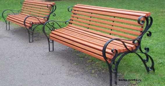 Кованые скамейки как