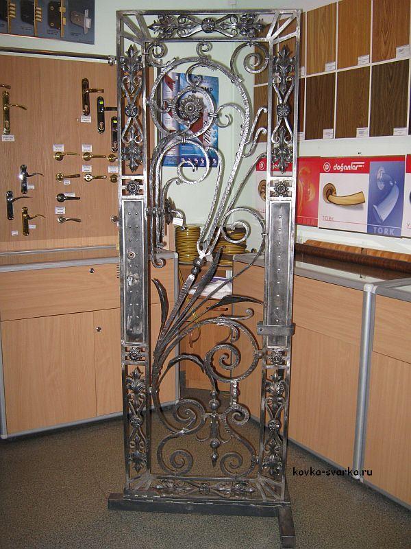 варианты ковки на металлические двери
