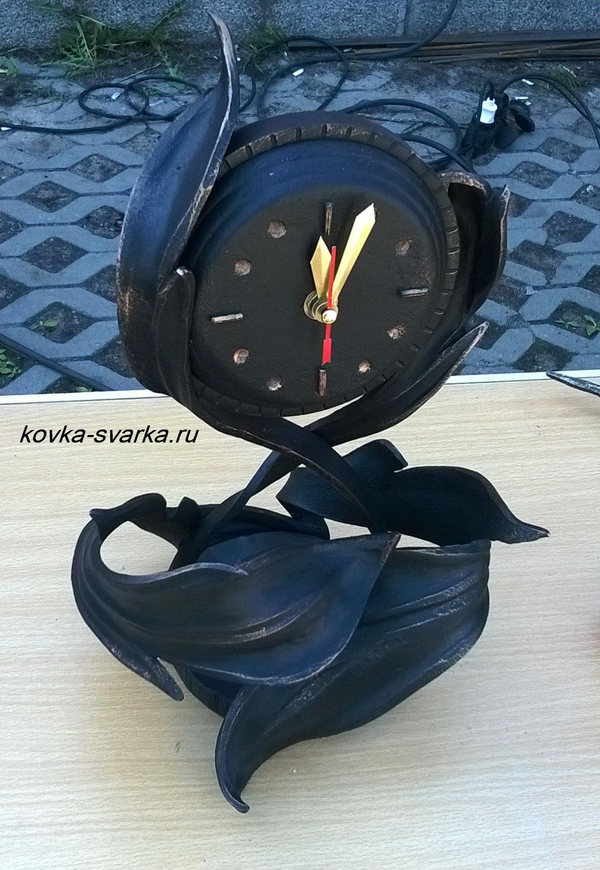 Фото кованых часов