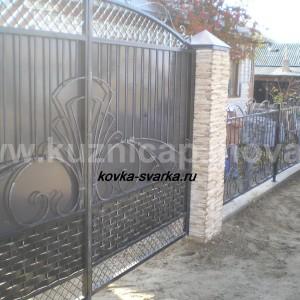 Фото кованых ворот и забора