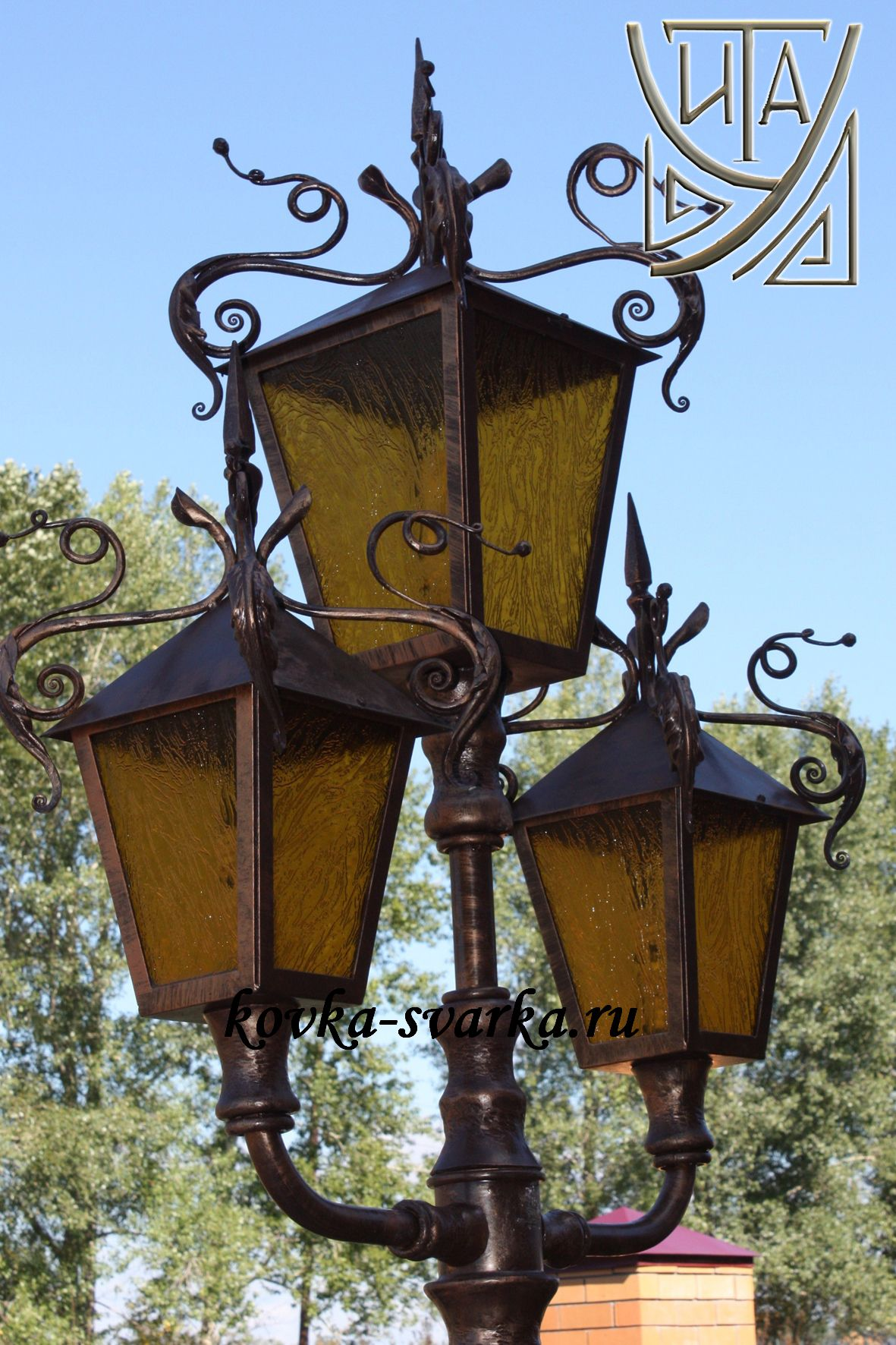Фото кованых фонарей