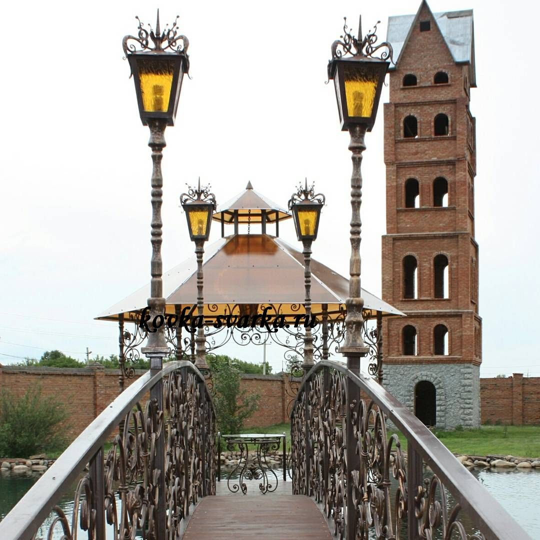 Фото кованого моста, беседки