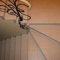 Монтаж кованых перил: важные требования безопасности
