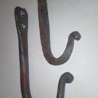 Крючки кованые с завитком