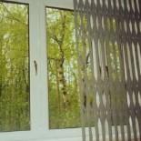 Решетки раздвижные на окна защитные