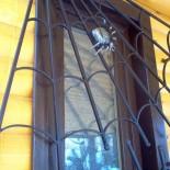 Установка защитных решёток на окна зданий. Как крепить и монтировать решетки
